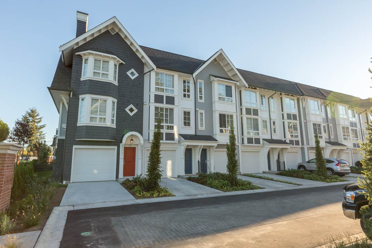 "Main Photo: 74 8476 207A Street in Langley: Willoughby Heights Townhouse for sale in ""YORK by Mosaic"" : MLS® # R2108289"