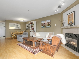 "Main Photo: 303 789 W 16TH Avenue in Vancouver: Fairview VW Condo for sale in ""Sixteen Willows"" (Vancouver West)  : MLS® # R2115964"
