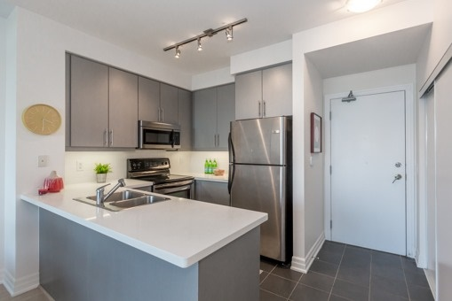 Photo 18: 1304 500 W St Clair Avenue in Toronto: Forest Hill South Condo for sale (Toronto C03)  : MLS(r) # C3632348