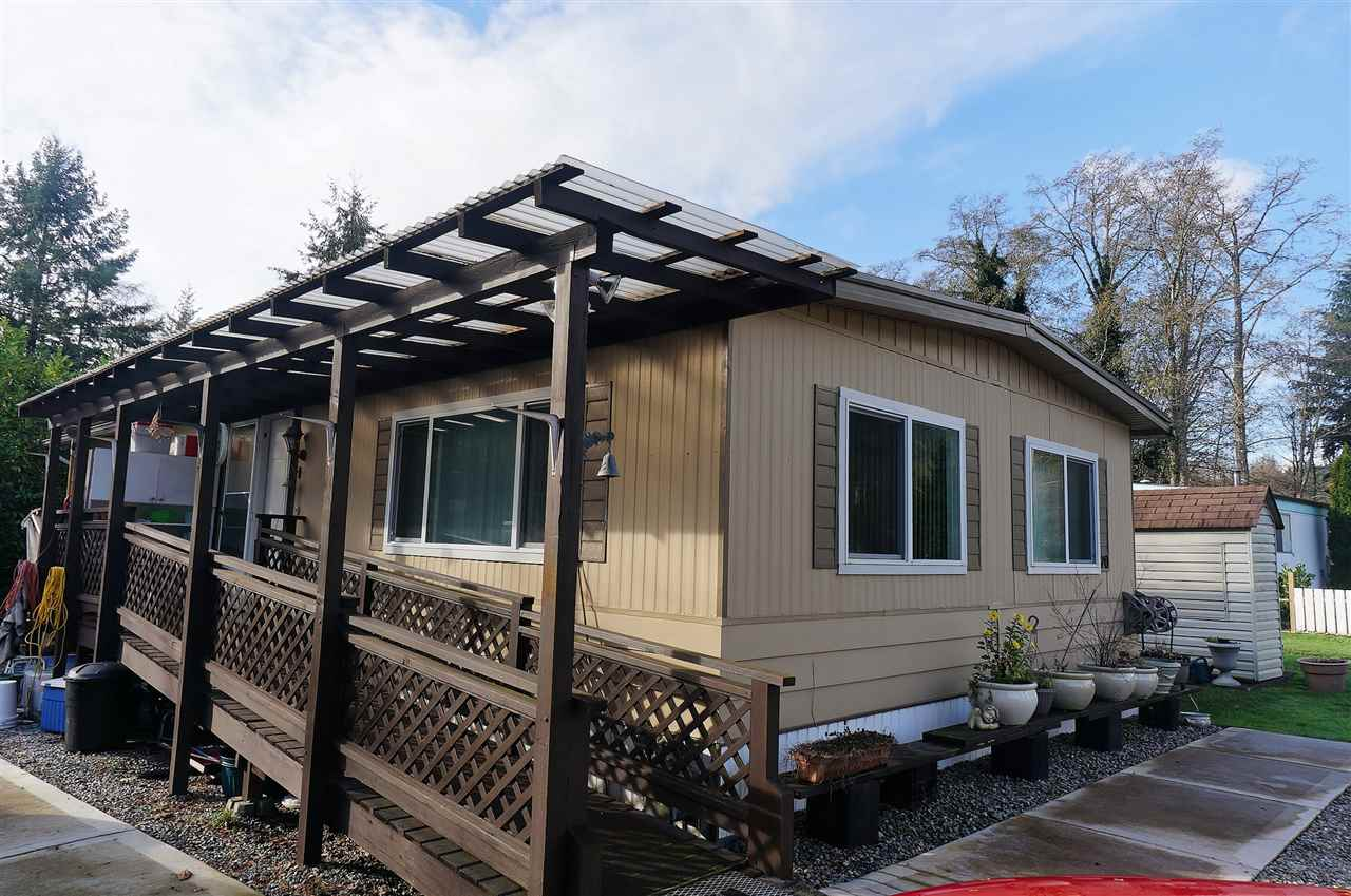 "Main Photo: 70 1413 SUNSHINE COAST Highway in Gibsons: Gibsons & Area Manufactured Home for sale in ""POPLARS ESTATES"" (Sunshine Coast)  : MLS® # R2126474"
