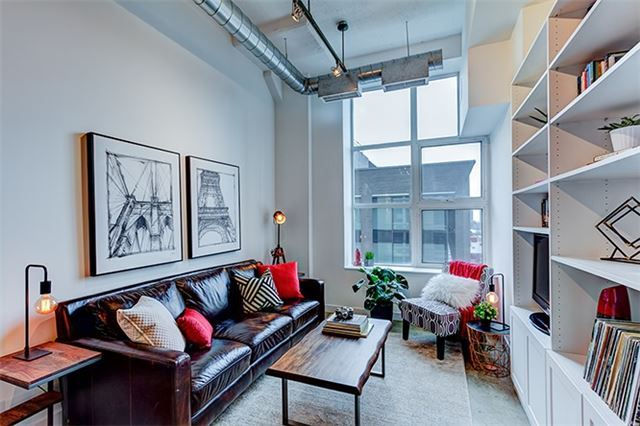 Main Photo: 940 155 Dalhousie Street in Toronto: Church-Yonge Corridor Condo for sale (Toronto C08)  : MLS(r) # C3712082
