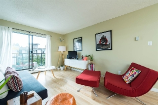 "Main Photo: 301 288 E 14TH Avenue in Vancouver: Mount Pleasant VE Condo for sale in ""Villa Sophia"" (Vancouver East)  : MLS(r) # R2156031"