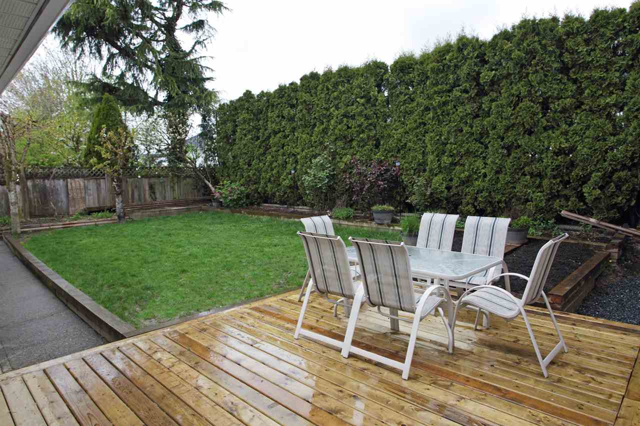 "Photo 12: 31043 UPPER MACLURE Road in Abbotsford: Abbotsford West House for sale in ""ABBOTSFORD WEST"" : MLS(r) # R2163255"