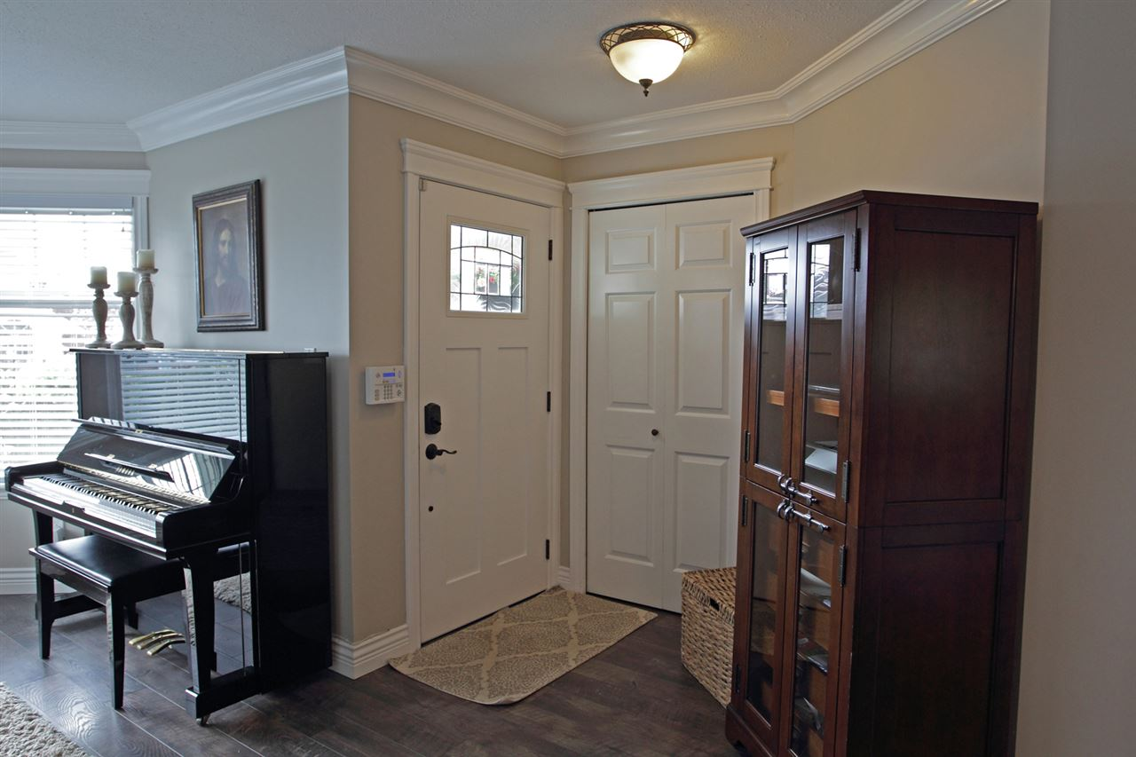 "Photo 17: 31043 UPPER MACLURE Road in Abbotsford: Abbotsford West House for sale in ""ABBOTSFORD WEST"" : MLS(r) # R2163255"