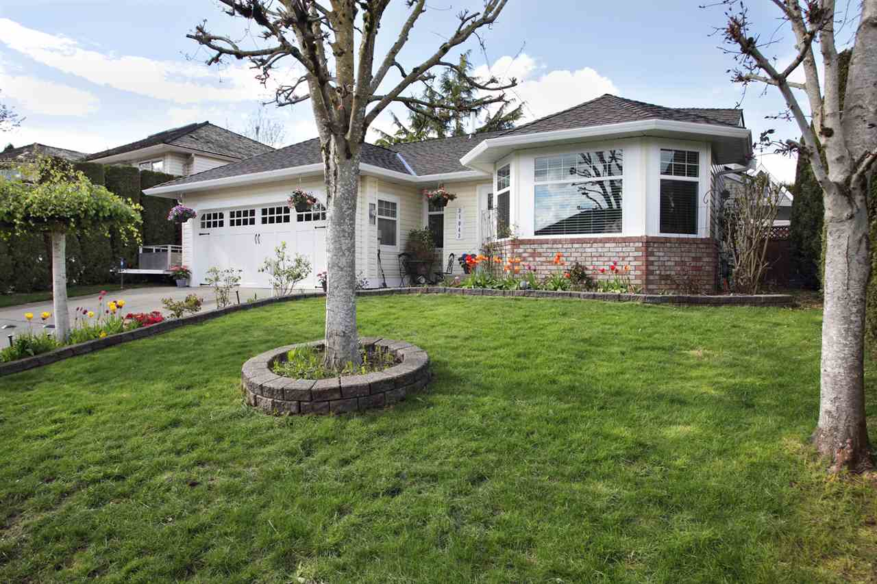 "Photo 2: 31043 UPPER MACLURE Road in Abbotsford: Abbotsford West House for sale in ""ABBOTSFORD WEST"" : MLS(r) # R2163255"