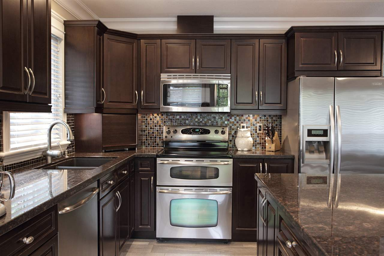 "Photo 4: 31043 UPPER MACLURE Road in Abbotsford: Abbotsford West House for sale in ""ABBOTSFORD WEST"" : MLS(r) # R2163255"
