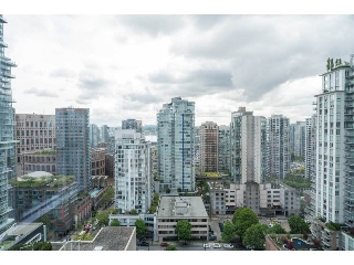 "Main Photo: 2203 833 SEYMOUR Street in Vancouver: Downtown VW Condo for sale in ""THE CAPITOL RESIDENCES"" (Vancouver West)  : MLS(r) # R2167292"