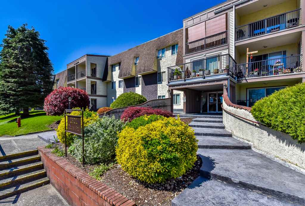 "Main Photo: 349 2821 TIMS Street in Abbotsford: Abbotsford West Condo for sale in ""Parkview Place"" : MLS®# R2169697"