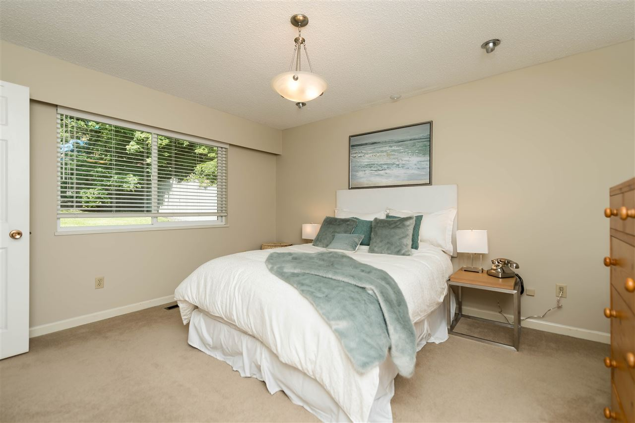 Photo 7: 1143 LIMA Road in North Vancouver: Indian River House for sale : MLS® # R2171310