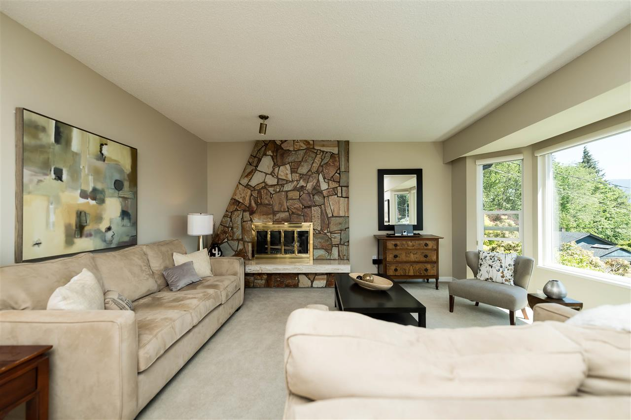 Photo 2: 1143 LIMA Road in North Vancouver: Indian River House for sale : MLS® # R2171310