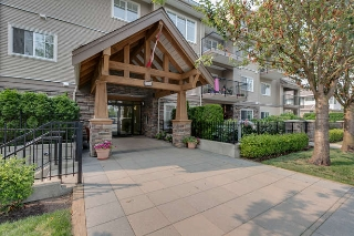 "Main Photo: 112 22150 DEWDNEY TRUNK Road in Maple Ridge: West Central Condo for sale in ""Falcon Manor"" : MLS® # R2196263"