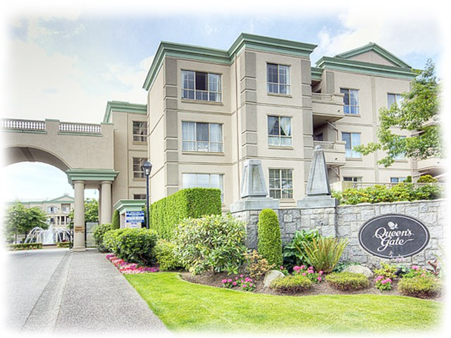 "Main Photo: 118 8580 GENERAL CURRIE Road in Richmond: Brighouse South Condo for sale in ""QUEEN'S GATE"" : MLS® # R2205395"