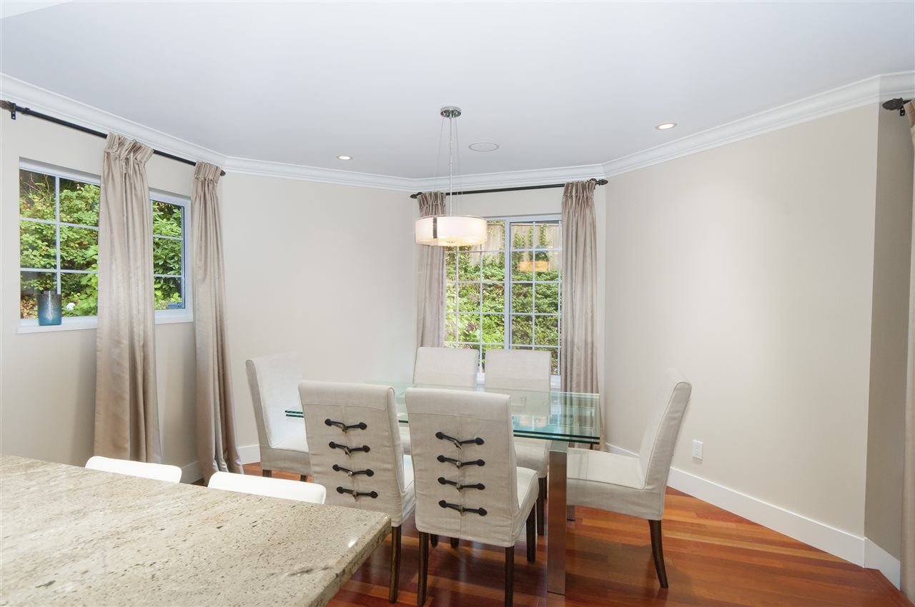 Photo 5: Photos: 5625 DAFFODIL Lane in West Vancouver: Eagle Harbour House for sale : MLS® # R2210825
