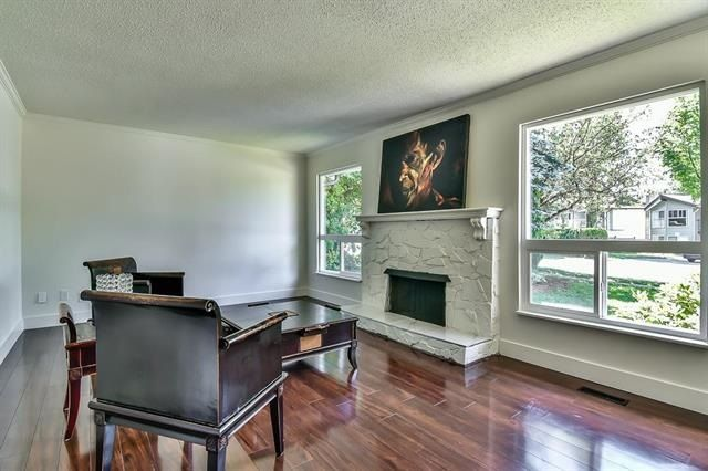 Photo 2: Photos: 14865 92 Avenue in Surrey: Fleetwood Tynehead House for sale : MLS® # R2225945