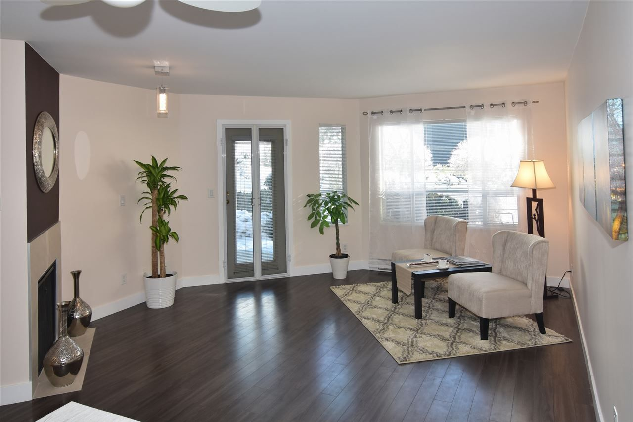 "Photo 2: Photos: 215 121 W 29TH Street in North Vancouver: Upper Lonsdale Condo for sale in ""Somerset Green"" : MLS® # R2241663"
