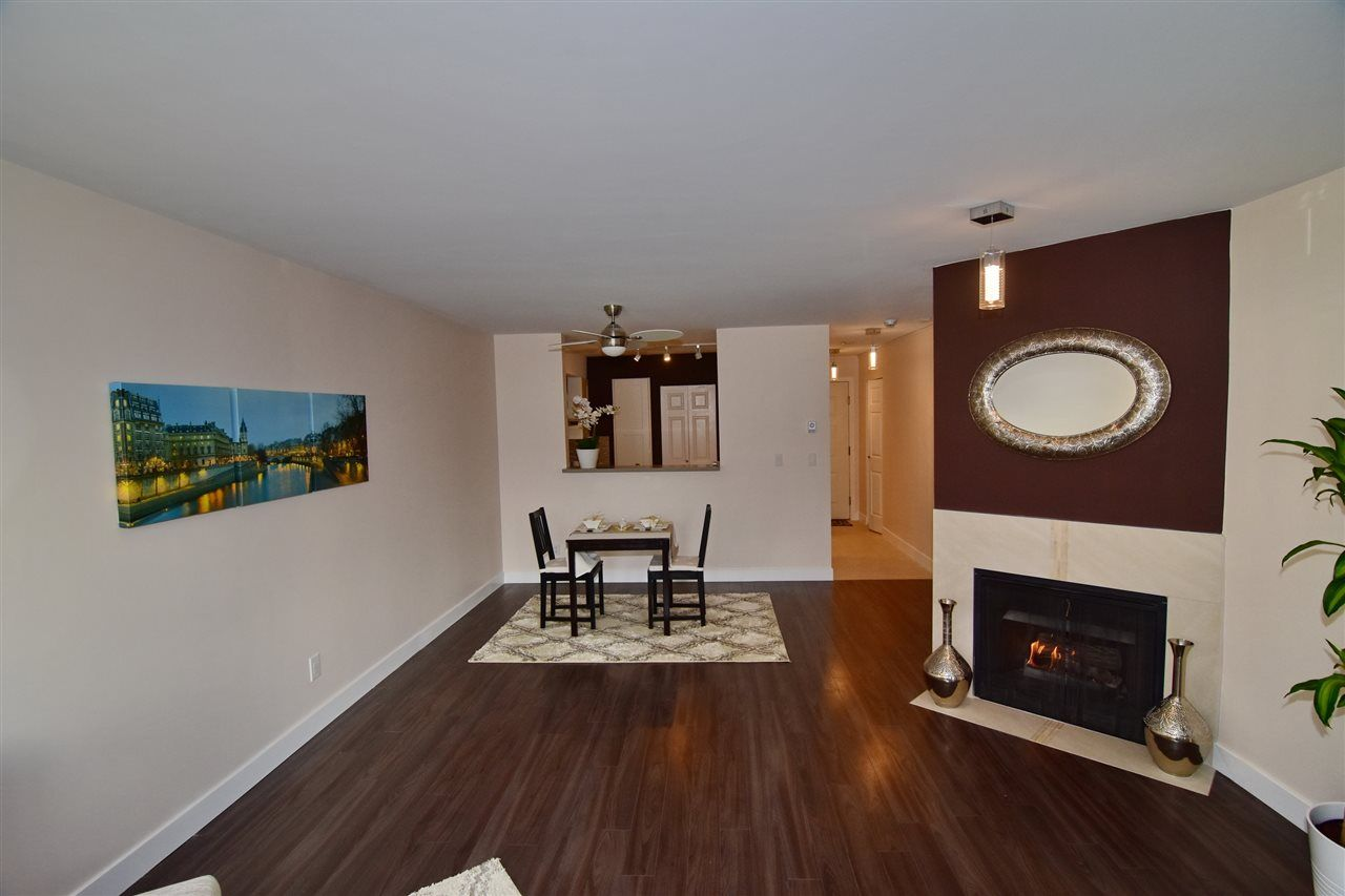 "Photo 3: Photos: 215 121 W 29TH Street in North Vancouver: Upper Lonsdale Condo for sale in ""Somerset Green"" : MLS® # R2241663"