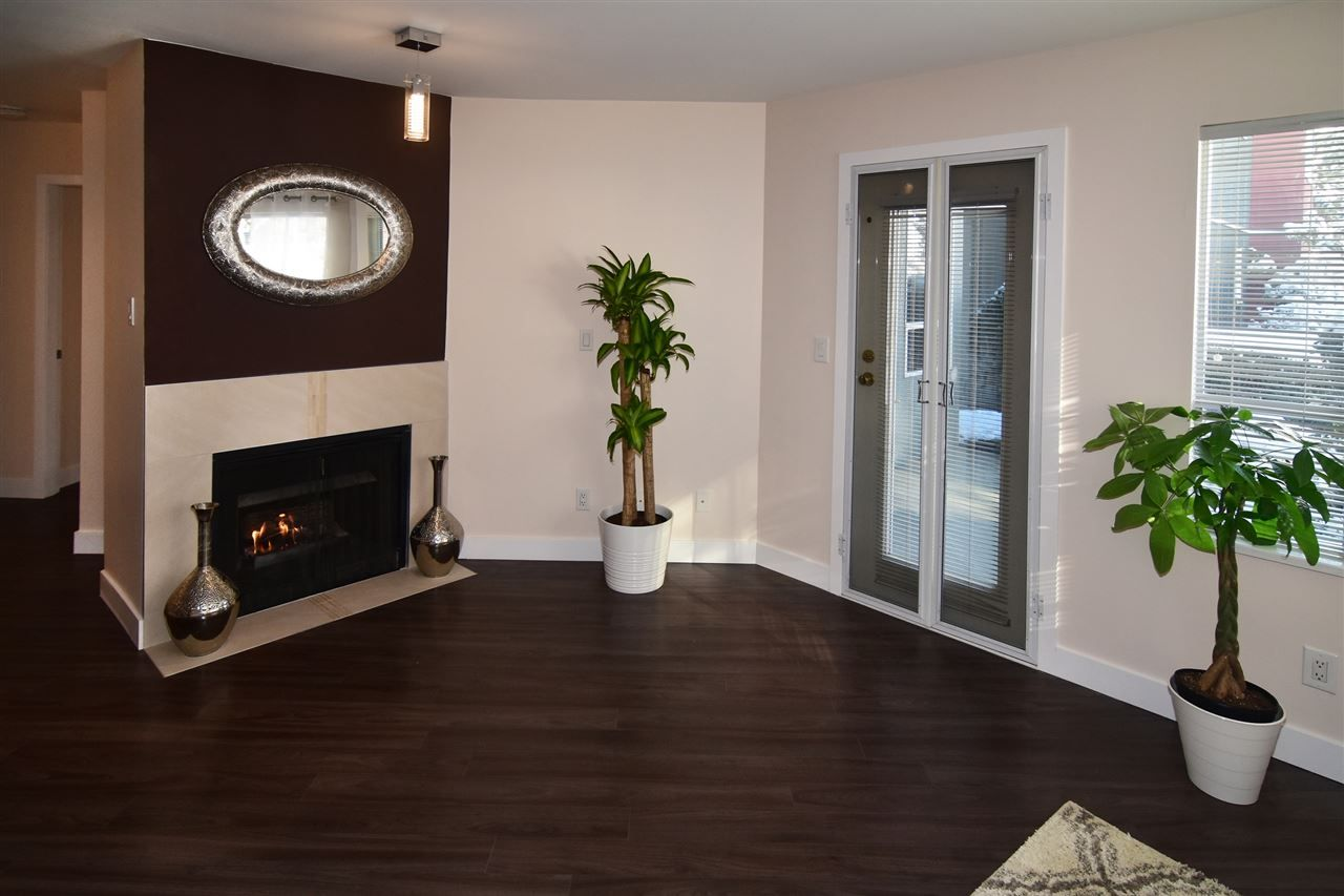 "Photo 4: Photos: 215 121 W 29TH Street in North Vancouver: Upper Lonsdale Condo for sale in ""Somerset Green"" : MLS® # R2241663"
