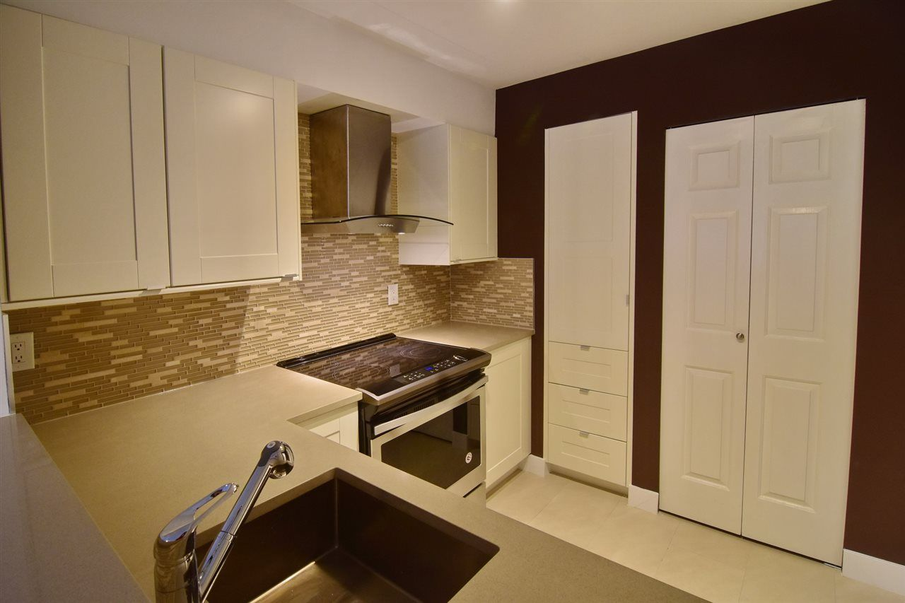 "Photo 7: Photos: 215 121 W 29TH Street in North Vancouver: Upper Lonsdale Condo for sale in ""Somerset Green"" : MLS® # R2241663"