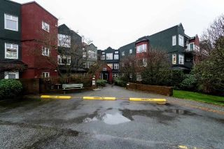 Main Photo: 415 2800 CHESTERFIELD Avenue in North Vancouver: Upper Lonsdale Condo for sale : MLS®# R2242723