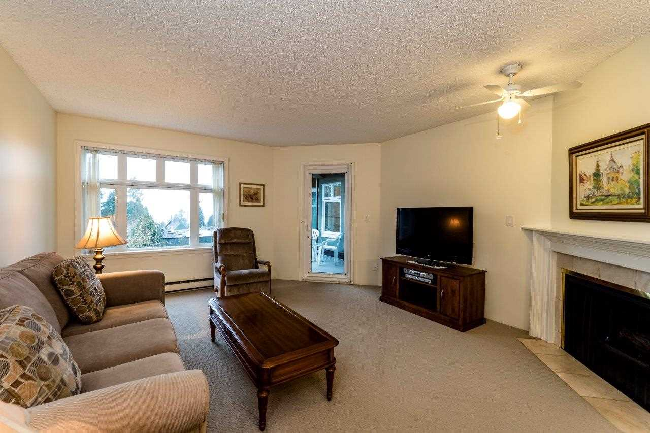 Photo 2: Photos: 415 2800 CHESTERFIELD Avenue in North Vancouver: Upper Lonsdale Condo for sale : MLS® # R2242723