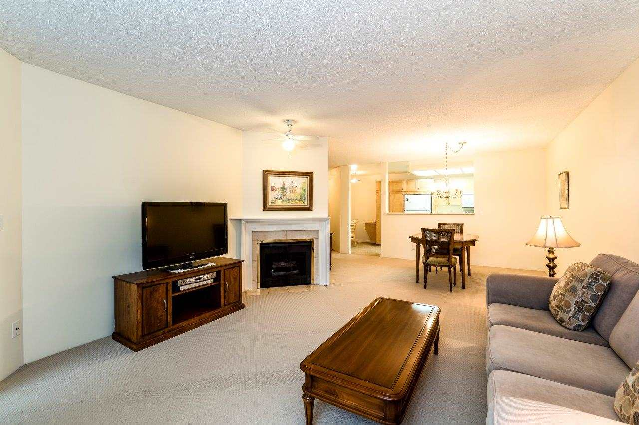 Photo 3: Photos: 415 2800 CHESTERFIELD Avenue in North Vancouver: Upper Lonsdale Condo for sale : MLS® # R2242723