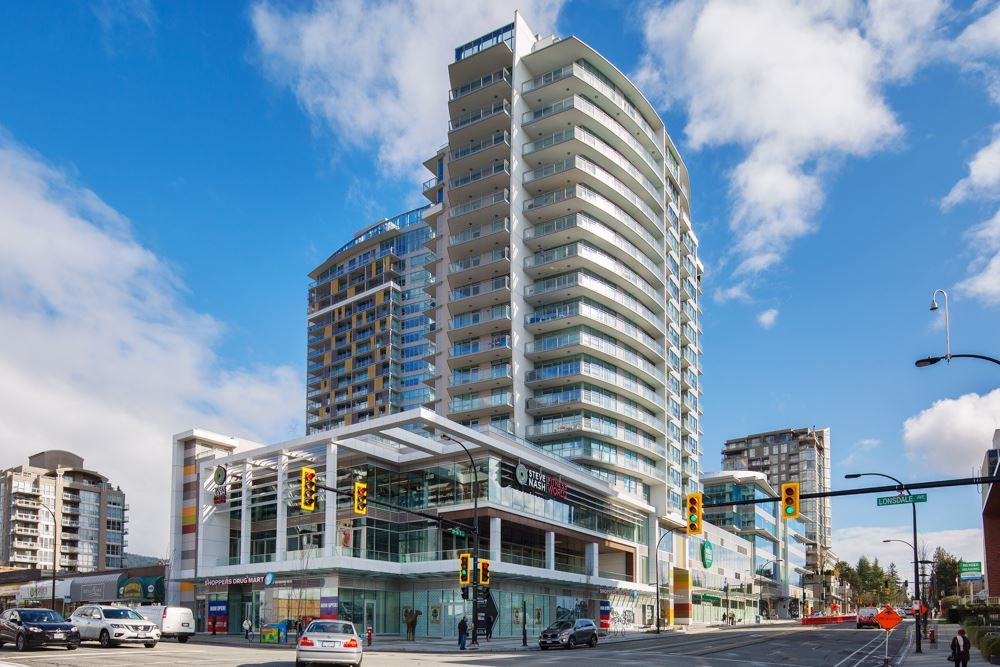 "Main Photo: 704 112 E 13TH Street in North Vancouver: Lower Lonsdale Condo for sale in ""CENTREVIEW"" : MLS® # R2243856"