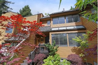 Main Photo: 405 CHESTERFIELD Avenue in North Vancouver: Lower Lonsdale Townhouse for sale : MLS®# R2275567