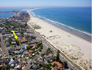 Main Photo: CORONADO VILLAGE House for sale : 5 bedrooms : 1119 F Ave in Coronado