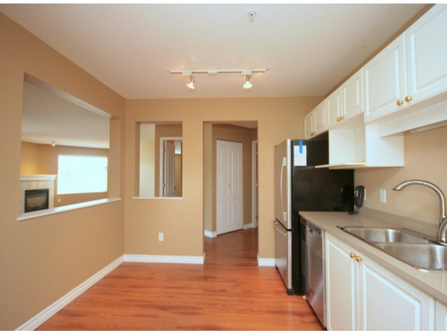 Photo 3: # 207 20894 57 AV in Langley: Langley City Condo for sale : MLS® # F1316757