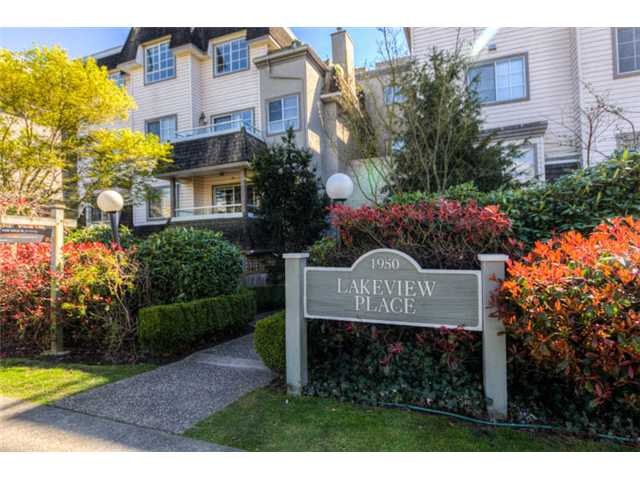 "Photo 2: 404 1950 E 11TH Avenue in Vancouver: Grandview VE Condo for sale in ""LAKEVIEW PLACE"" (Vancouver East)  : MLS® # V1054183"