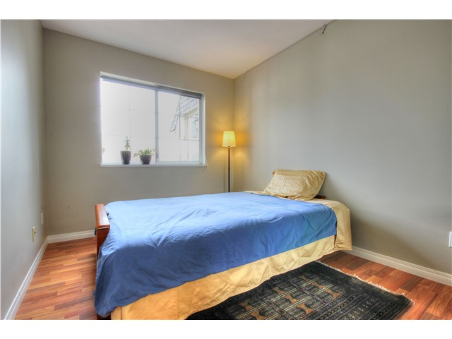 "Photo 15: 404 1950 E 11TH Avenue in Vancouver: Grandview VE Condo for sale in ""LAKEVIEW PLACE"" (Vancouver East)  : MLS® # V1054183"