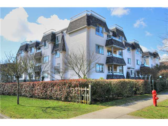 "Photo 18: 404 1950 E 11TH Avenue in Vancouver: Grandview VE Condo for sale in ""LAKEVIEW PLACE"" (Vancouver East)  : MLS® # V1054183"