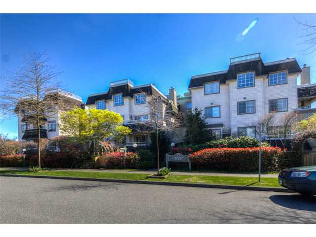 "Main Photo: 404 1950 E 11TH Avenue in Vancouver: Grandview VE Condo for sale in ""LAKEVIEW PLACE"" (Vancouver East)  : MLS® # V1054183"