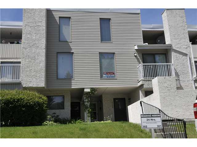 Main Photo: 2407 3500 VARSITY Drive NW in CALGARY: Varsity Acres Townhouse for sale (Calgary)  : MLS® # C3622929