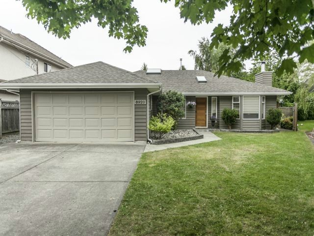 "Main Photo: 8920 CAIRNMORE Place in Richmond: Seafair House for sale in ""SEAFAIR"" : MLS® # V1089969"