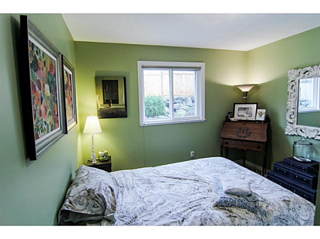 "Photo 11: 8160 DOROTHEA Court in Mission: Mission BC House for sale in ""CHERRY RIDGE ESTATES"" : MLS® # F1431815"