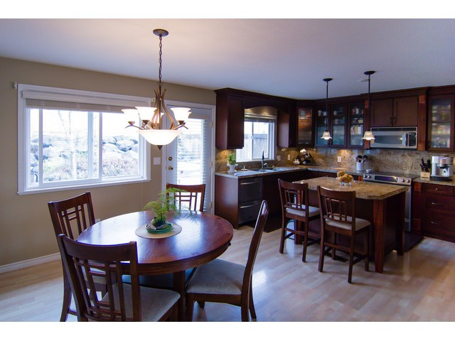 "Photo 2: 8160 DOROTHEA Court in Mission: Mission BC House for sale in ""CHERRY RIDGE ESTATES"" : MLS® # F1431815"