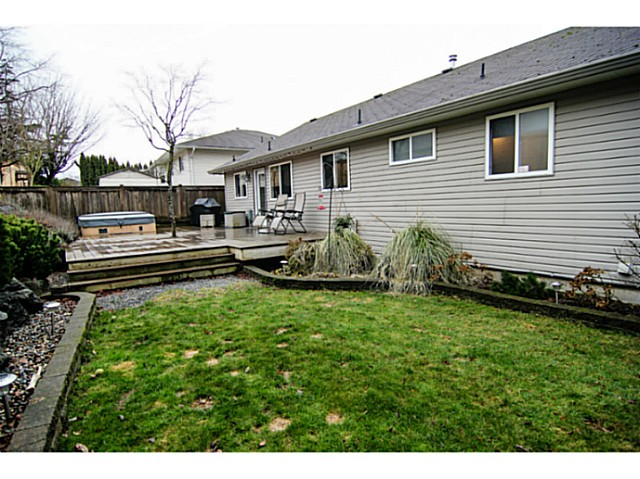 "Photo 18: 8160 DOROTHEA Court in Mission: Mission BC House for sale in ""CHERRY RIDGE ESTATES"" : MLS® # F1431815"