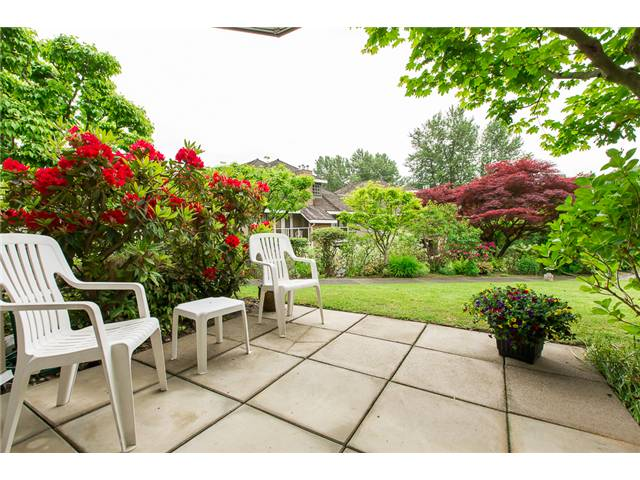 "Main Photo: 112 67 MINER Street in New Westminster: Fraserview NW Condo for sale in ""FRASERVIEW PARK"" : MLS(r) # V1122191"