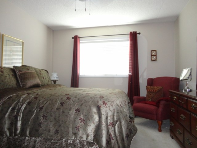 Photo 8: 304 101 3 Street NW: Sundre Condo for sale : MLS(r) # C4015441