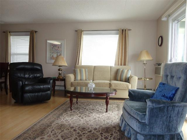 Photo 7: 304 101 3 Street NW: Sundre Condo for sale : MLS(r) # C4015441