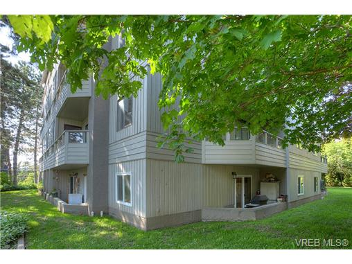 Photo 18: 8 949 Cloverdale Avenue in VICTORIA: SE Quadra Condo Apartment for sale (Saanich East)  : MLS(r) # 353688