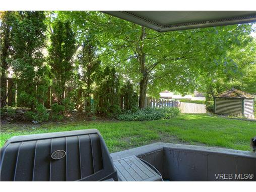 Photo 16: 8 949 Cloverdale Avenue in VICTORIA: SE Quadra Condo Apartment for sale (Saanich East)  : MLS(r) # 353688