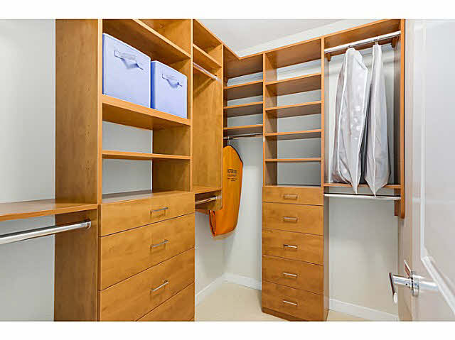 "Photo 13: 905 5868 AGRONOMY Road in Vancouver: University VW Condo for sale in ""SITKA"" (Vancouver West)  : MLS® # V1133257"