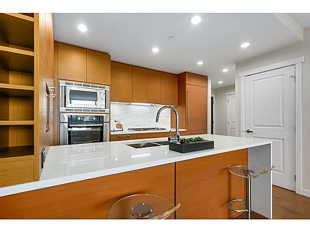 "Photo 7: 905 5868 AGRONOMY Road in Vancouver: University VW Condo for sale in ""SITKA"" (Vancouver West)  : MLS® # V1133257"