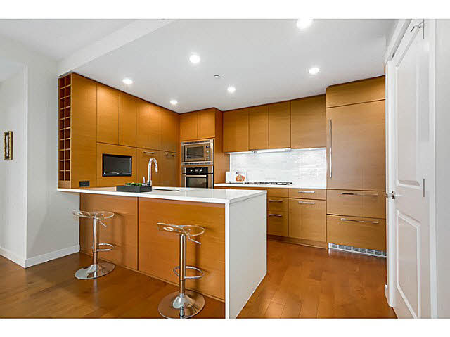 "Photo 5: 905 5868 AGRONOMY Road in Vancouver: University VW Condo for sale in ""SITKA"" (Vancouver West)  : MLS® # V1133257"