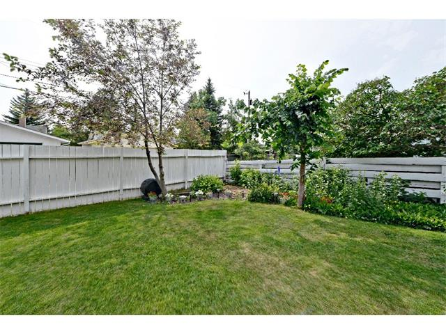 Photo 29: 6304 LACOMBE Way SW in Calgary: Lakeview House for sale : MLS® # C4020490