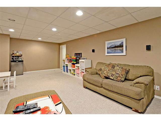 Photo 26: 6304 LACOMBE Way SW in Calgary: Lakeview House for sale : MLS® # C4020490