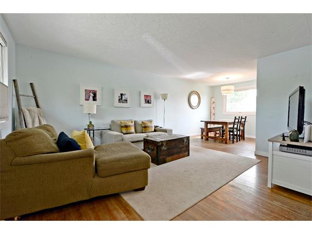Photo 3: 6304 LACOMBE Way SW in Calgary: Lakeview House for sale : MLS® # C4020490