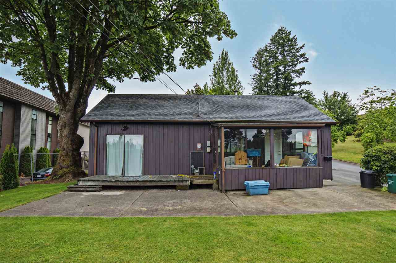 Main Photo: 8298 CEDAR Street in Mission: Mission BC House for sale : MLS®# R2080262